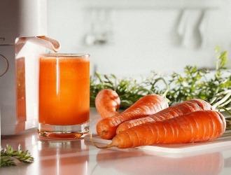 Морковный сок помогает при интоксикации печени и гепатозе
