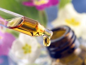 Масло расторопши является противовоспалительным, оно восстанавливает патологические клетки печени и создаёт новые