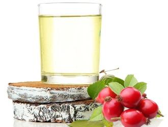 Березовый сок с шиповником не только вкусный, но и полезный