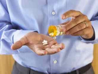 Безконтрольный прием лекарств вполне может стать причиной появления гепатоза