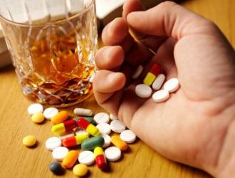 Одна из основных проблем, препятствующих быстрому выздоровлению печени - алкоголь. Откажитесь от его приёма либо никакие препараты не помогут
